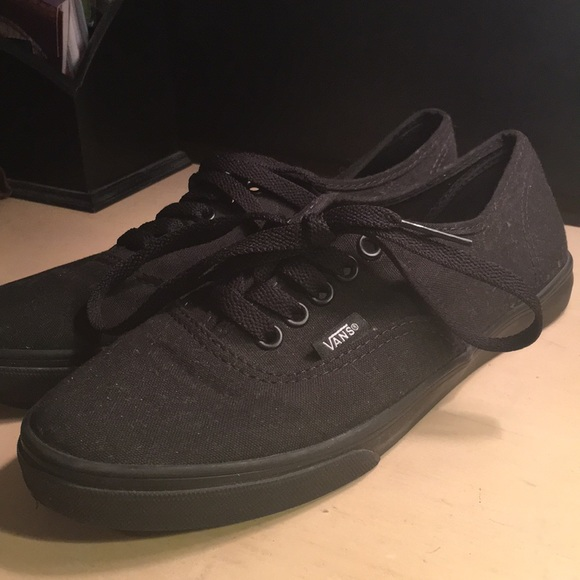 vans lo pro all black